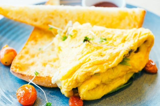 Spanisches omelett in der platte