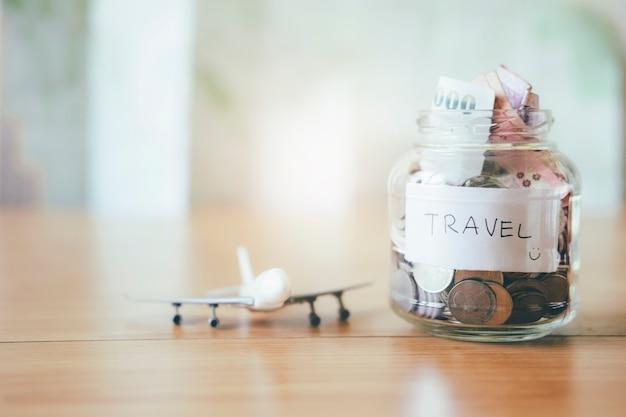 Sparen sie geld für reisen.
