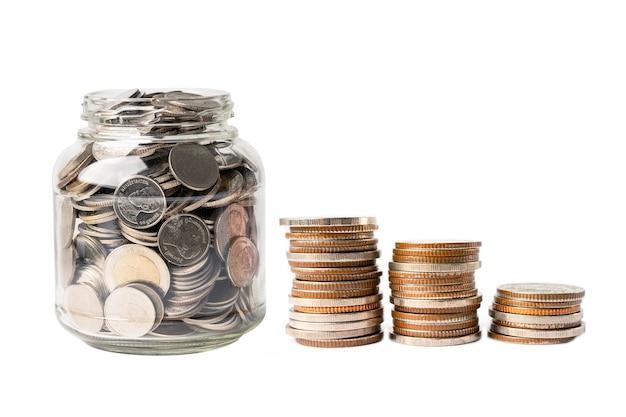 Sparen sie geldmünzen im grasglas