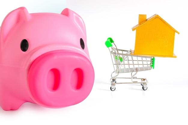 Sparschwein verkauf kaufen mall markt shop verbraucher spar- und budgetkonzept.