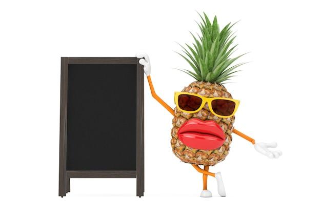Spaß-karikatur-mode-hipster-schnitt-ananas-person-charakter-maskottchen mit leeren hölzernen menütafeln im freienanzeige auf einem weißen hintergrund. 3d-rendering