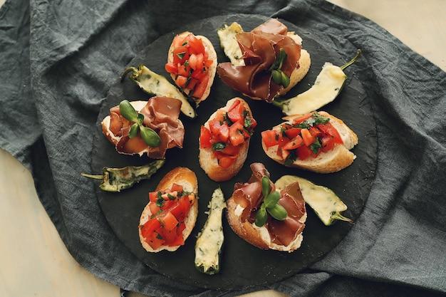 Speck snacks. traditionelle spanische tapas