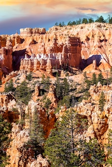 Spektakuläre hoodoo-felstürme des bryce canyon, utah, usa