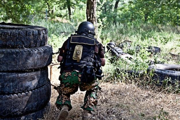 Spezialwaffen- und taktikteam in aktion