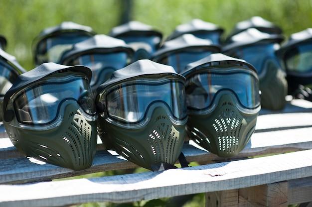 Spezielle schutzmaske zum paintball spielen