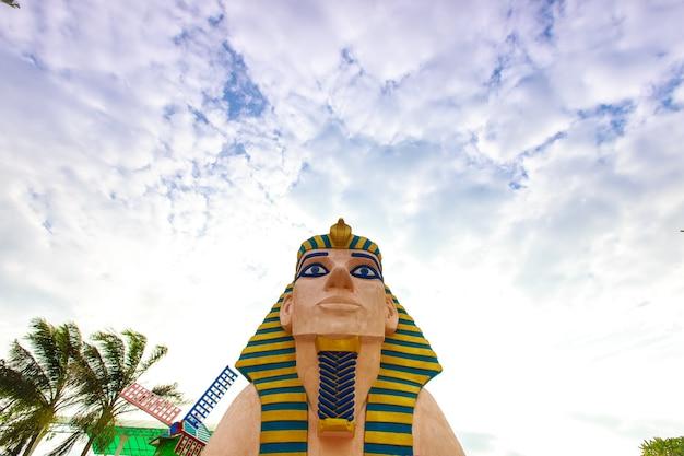 Sphinx-egyept-statue