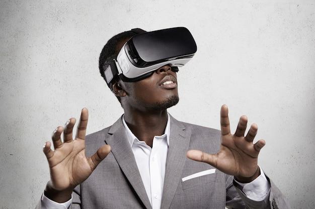 Spiele, 3d-technologie und cyberspace.