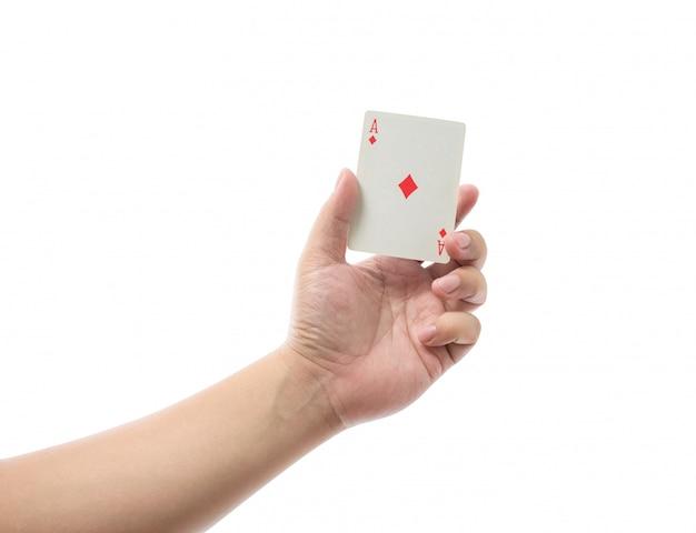 Spielkarten in der hand lokalisiert auf weißem hintergrund