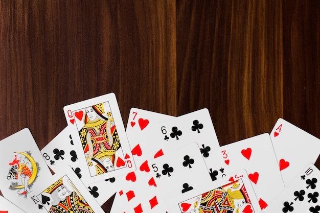 Spielkarten volles weißes hintergrundmodell des decks