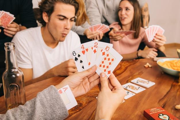 Spielkartenspiel mit freunden