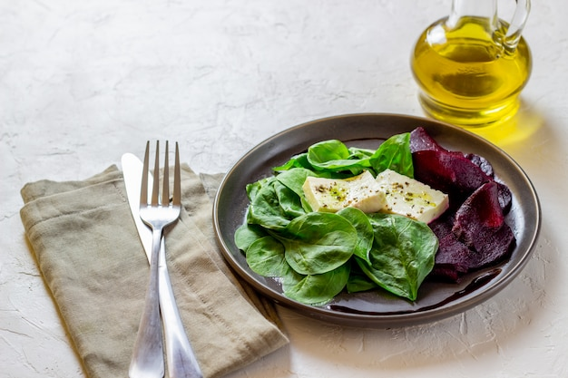 Spinat-käse-salat