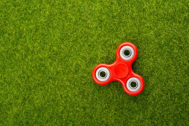 Spinner in der grasansicht