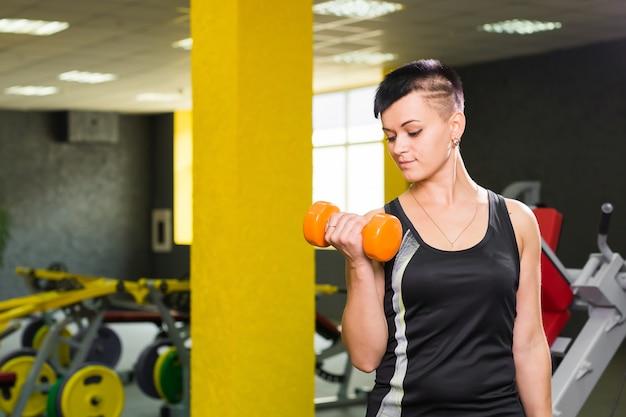 Sport-, fitness-, trainings- und lifestyle-konzept