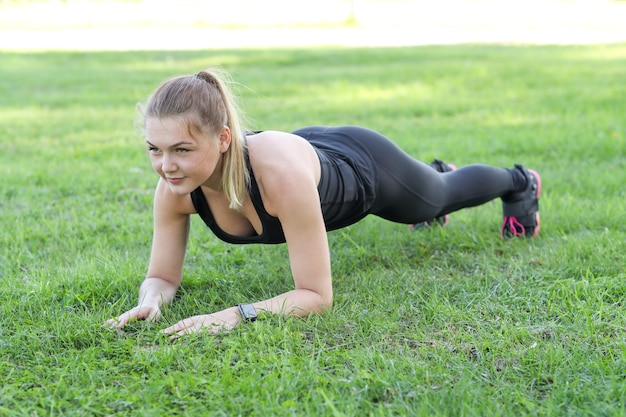 Sport im freien, mädchen joggen, mädchen joggen