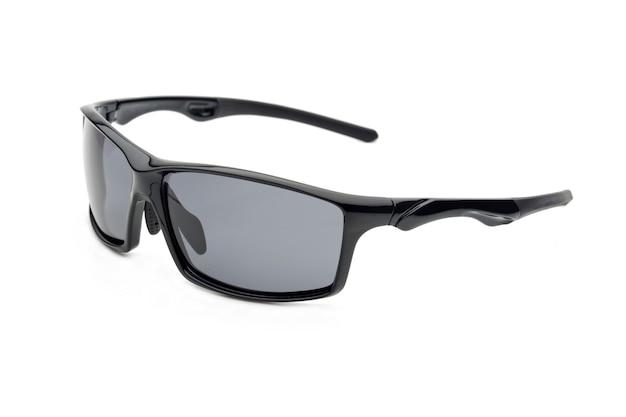 Sport-sonnenbrille isoliert auf weißem hintergrund