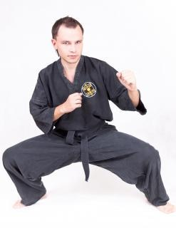 Sportler, martialisch, gi