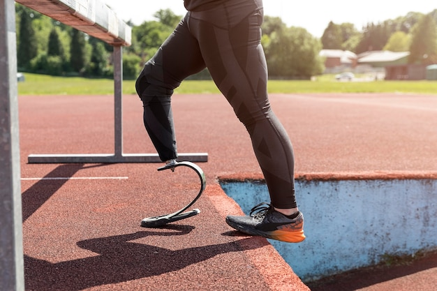 Sportler mit prothese hautnah