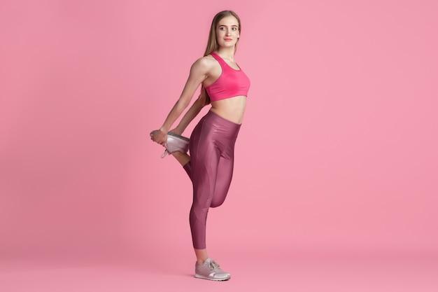 Sportlich fit kaukasisches modeltraining