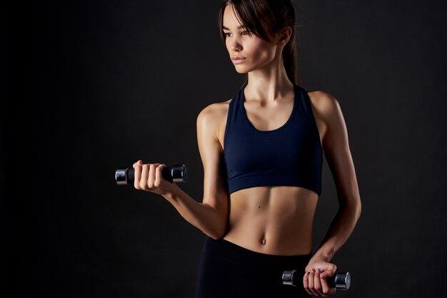 Sportliche frau schlanke figur workout fitness motivation