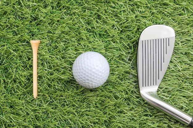 Sportobjekt im zusammenhang mit golfausrüstung
