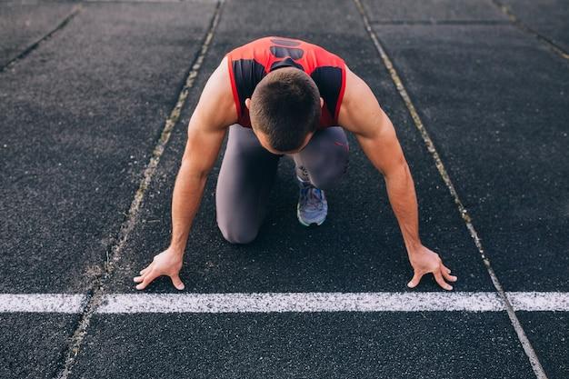 Sprinter macht sich bereit zu starten