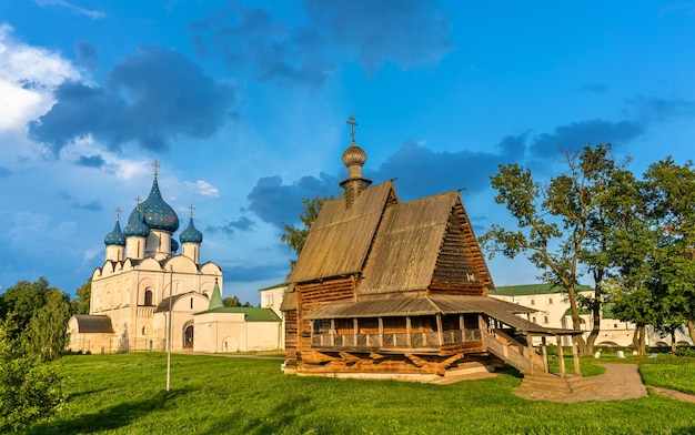 St.-nikolaus-kirche und die geburtskathedrale in susdal, ein unesco-weltkulturerbe in russland