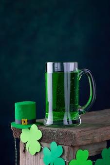 St. patricks day grünes bier