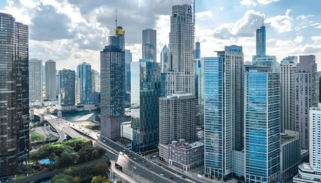 Stadt der innenstadt von chicago wolkenkratzer und lake michigan stadtbild, illinois, usa
