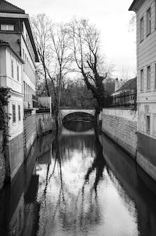 Stadtansichten der stadt prag in europa