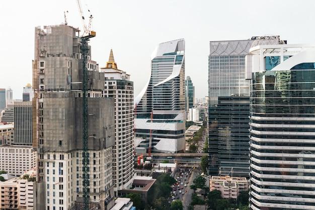 Stadtbild-bangkok-skyline, thailand. bangkok ist eine metropole und beliebt bei touristen.