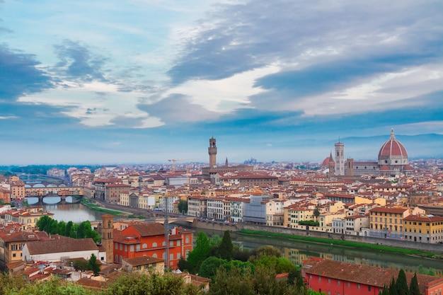 Stadtbild der altstadt von florenz von oben, italien
