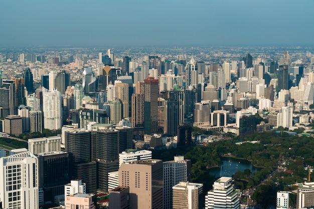 Stadtbild und skyline von bangkok city, thailand.