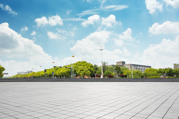 Stadtbild und skyline von chongqing in wolke himmel auf blick aus leeren boden