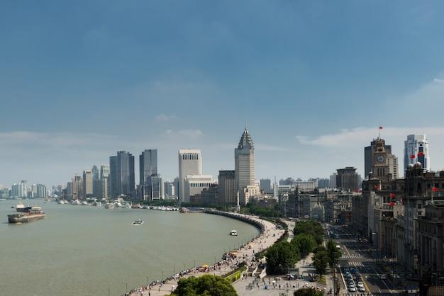 Stadtbild von in shanghai promenade mit modernen gebäuden in shanghai, china.