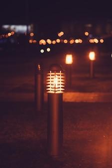 Stadtlaterne leuchtet