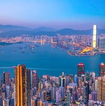 Städtische skyline und architekturlandschaft nightscape in hong kong