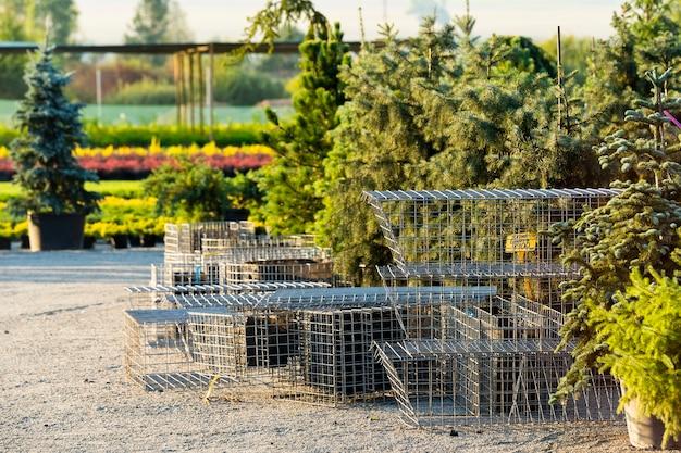 Stahlgitter für künstliche blumenbeete im landschaftsbau Premium Fotos