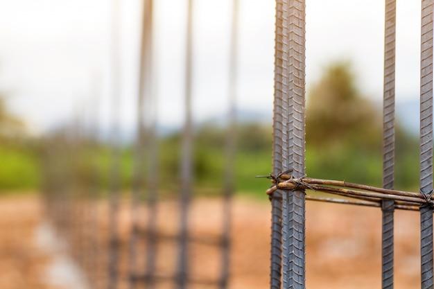 Stahlstab für bauarbeiten, mörtel in struktureller basis