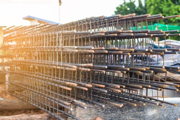 Stahlstange für baubetonarbeit, mörser in der strukturellen basis, infrastruktur
