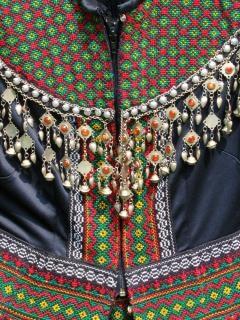 Stammes-kleid