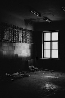 Standbild vom acres-debütalbum lonely world. sieh sie dir auf acresofficial.com an