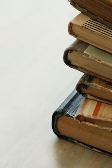 Stapel alter bücher, literaturkonzept