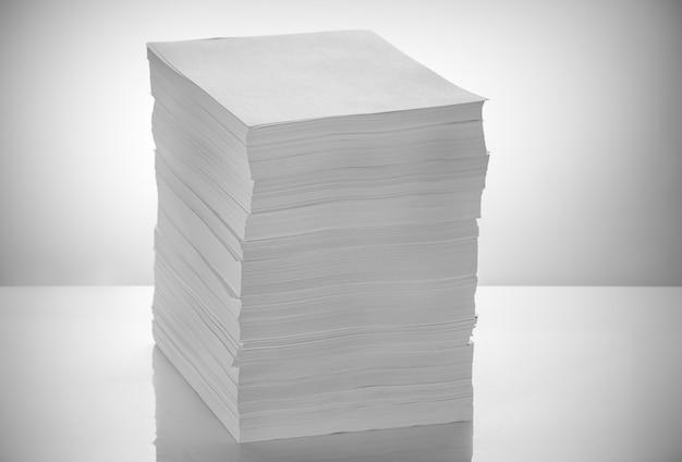 Stapel büropapier