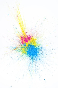 Stapel der gelben, purpurroten und blauen trockenen farben