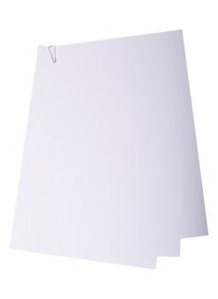Stapel des weißbuches mit büroklammer