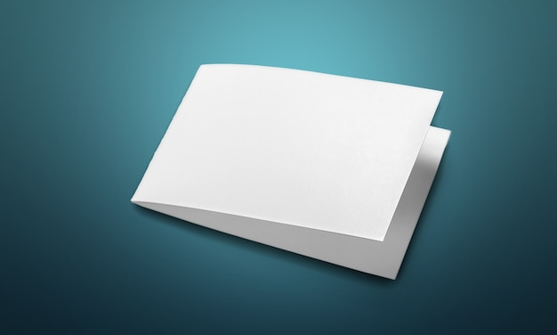 Stapel leeres papier auf holztisch