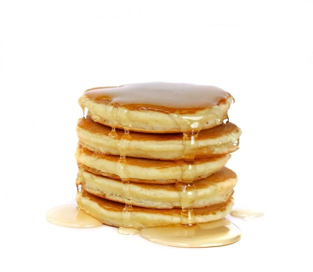 Stapel pfannkuchenoberseite mit honig