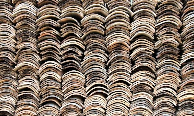 Stapel von dachziegeln