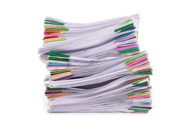 Stapel von dokumenten isoliert