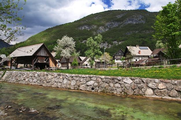 Stara fuzina in den alpen von slowenien